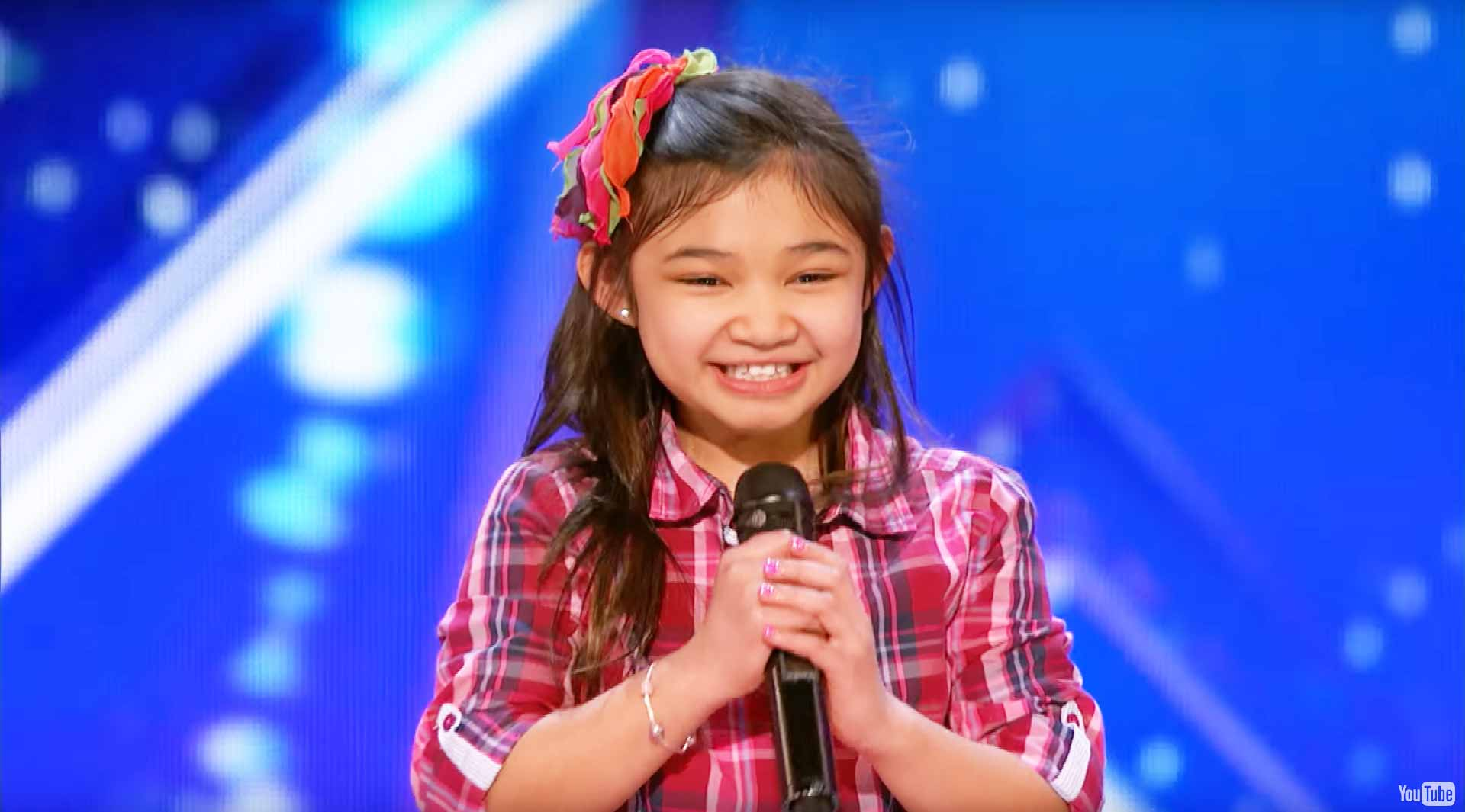 Americas got talent 2017 9 year old opera singer - 9 Year Old Angelica Hale Stuns America S Got Talent With Her Powerful Singing Voice