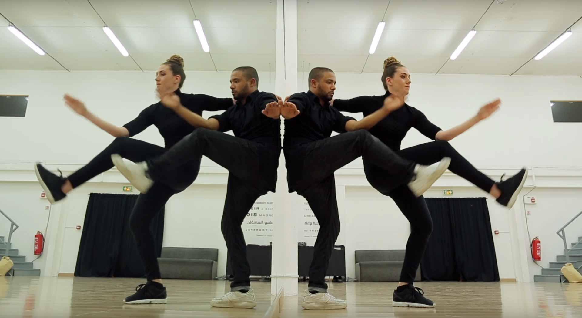 Amazing mirror dance for Dance mirrors